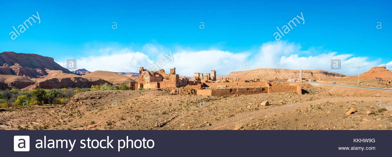 Morocco, Souss-Massa (Sous-Massa-Draa), Ouarzazate Province. Mud Kasbah buildings at Ksar of Tamedakhte. - Stock Image