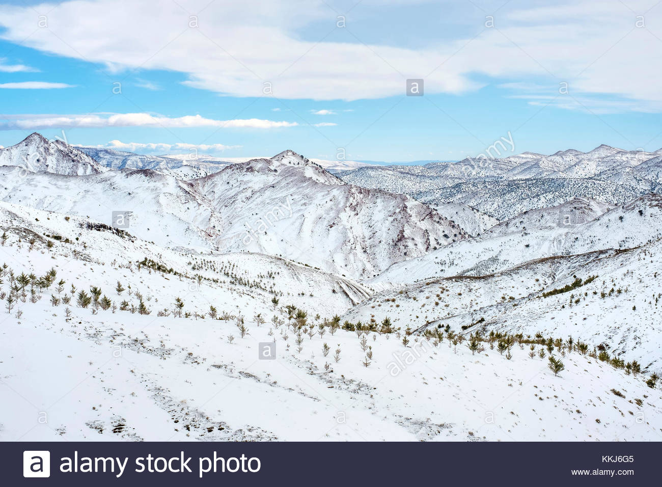 Morocco, Marrakech-Safi (Marrakesh-Tensift-El Haouz), Al Haouz Province. Tizi N'Tichka pass in the Atlas Mountains - Stock Image