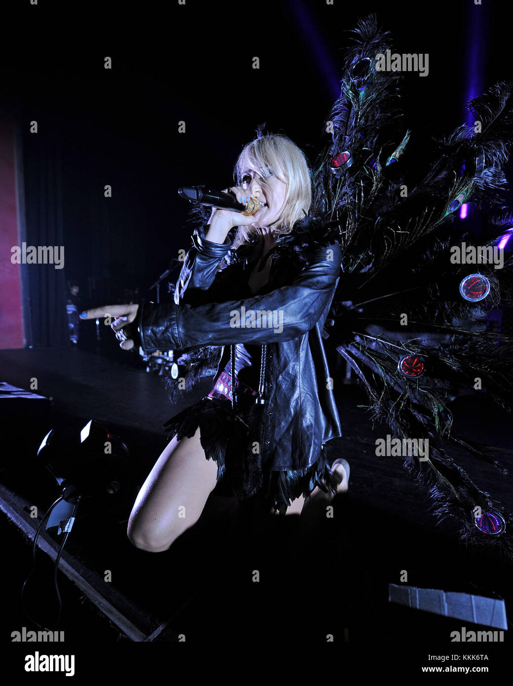 MIAMI BEACH, FL - NOVEMBER 02: Emily Haines of Metric performs at The Fillmore on November 2, 2015 in Miami Beach, - Stock Image