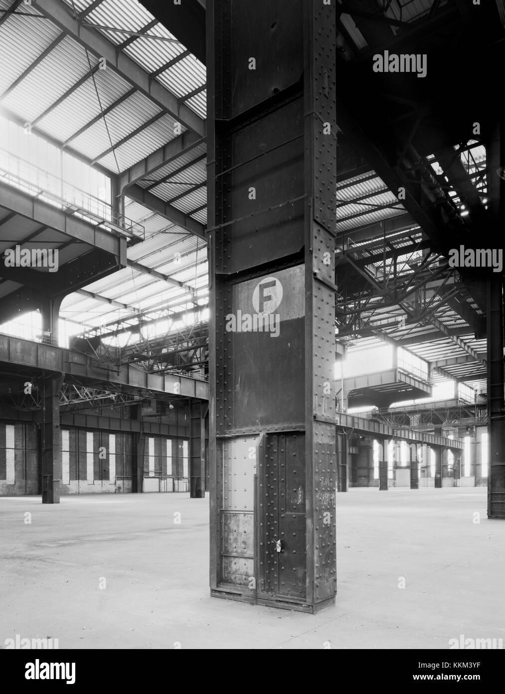 Hanomag U Boot Halle Hannover - Stock Image