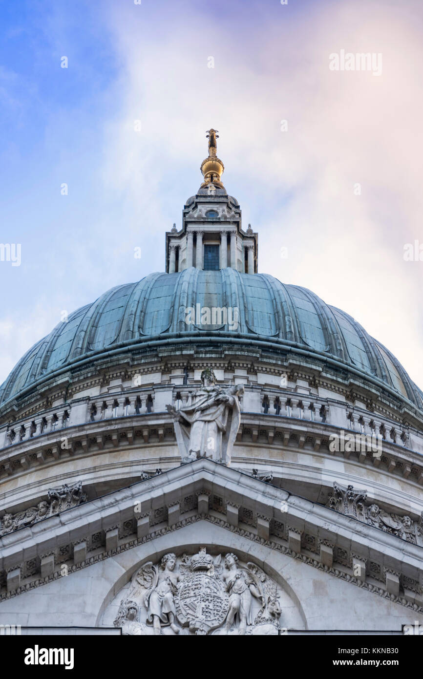 England, London, Dome of St Paul's Cathedral - Stock Image