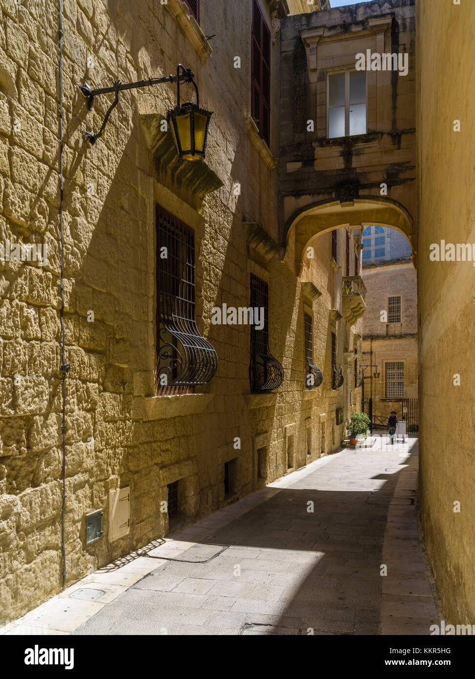 Picturesque lane in old capital of Malta, Mdina - Stock Image