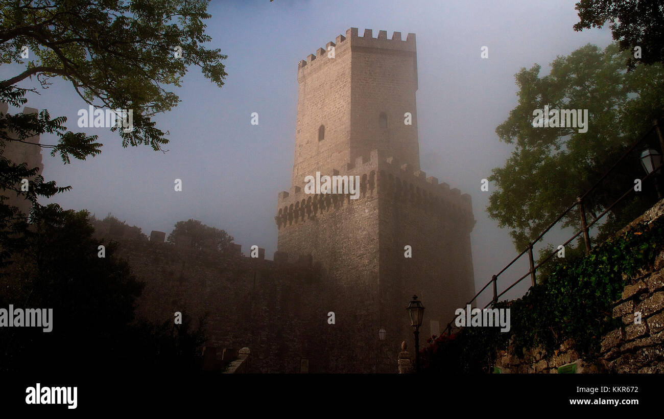 Italy, Sicily, province of Trapani, Erice, Norman castle, Castello Tu Venere, tower, early in the morning, fog, - Stock Image