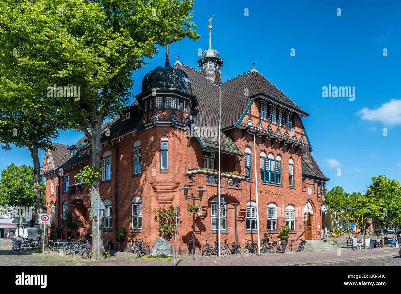 Burg on Fehmarn, island of Fehmarn, Schleswig-Holstein, Germany, city hall on the marketplace of Burg on Fehmarn - Stock Image