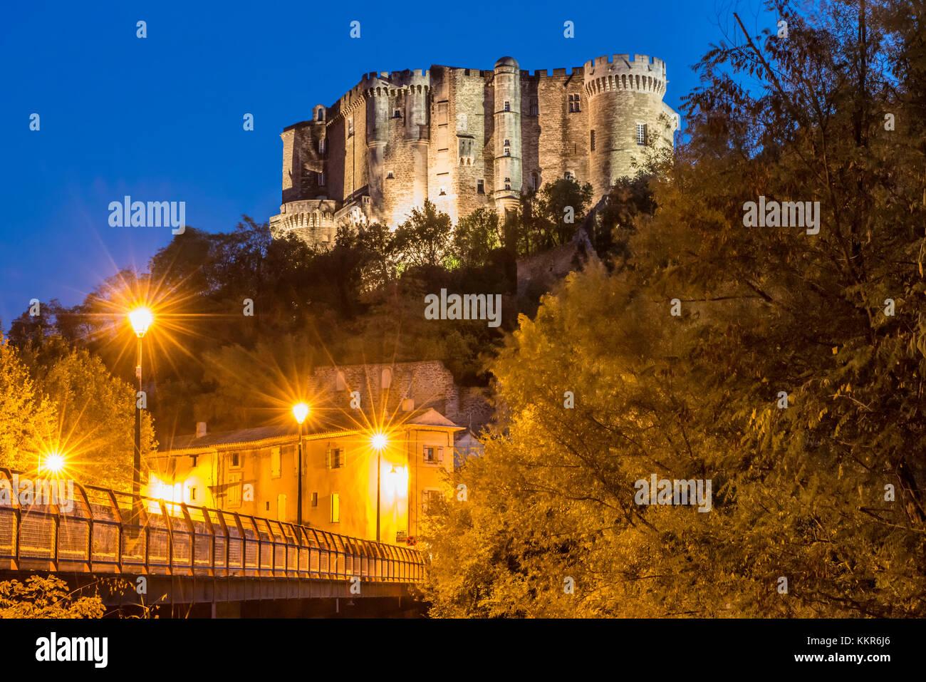 Suze-la-Rousse, Drôme, Provence, Provence-Alpes-Côte d'Azur, France, Renaissance castle Suze-la-Rousse - Stock Image