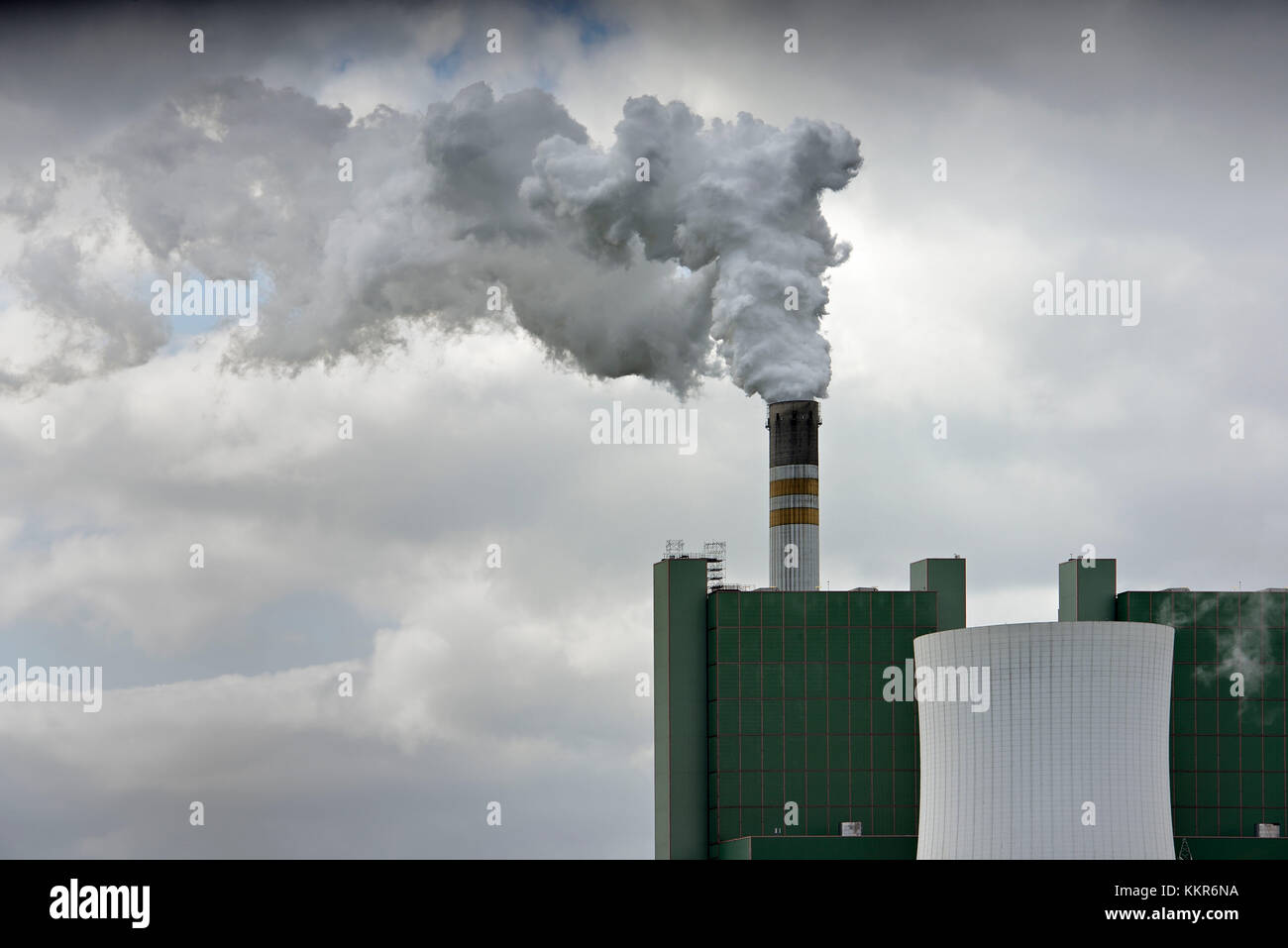 Brown coal power station at Schkopau, smoking chimney, CO2 issue, Skopau, Saxony-Anhalt, Germany Stock Photo