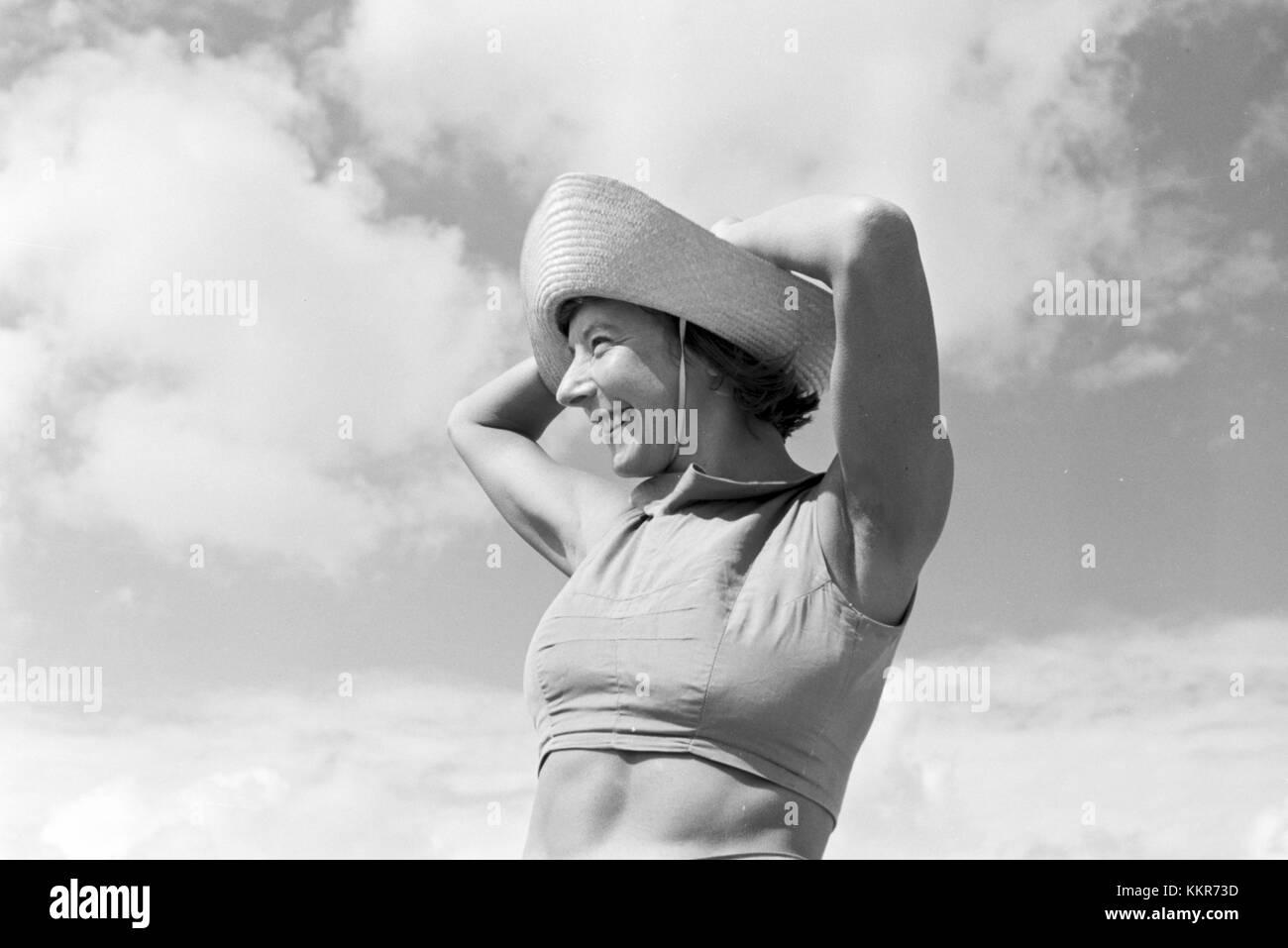 Die berühmte Tänzerin Gret Palucca während Ihrem Sommerurlaub auf Sylt, Deutsches Reich 1930er Jahre. The popular Stock Photo