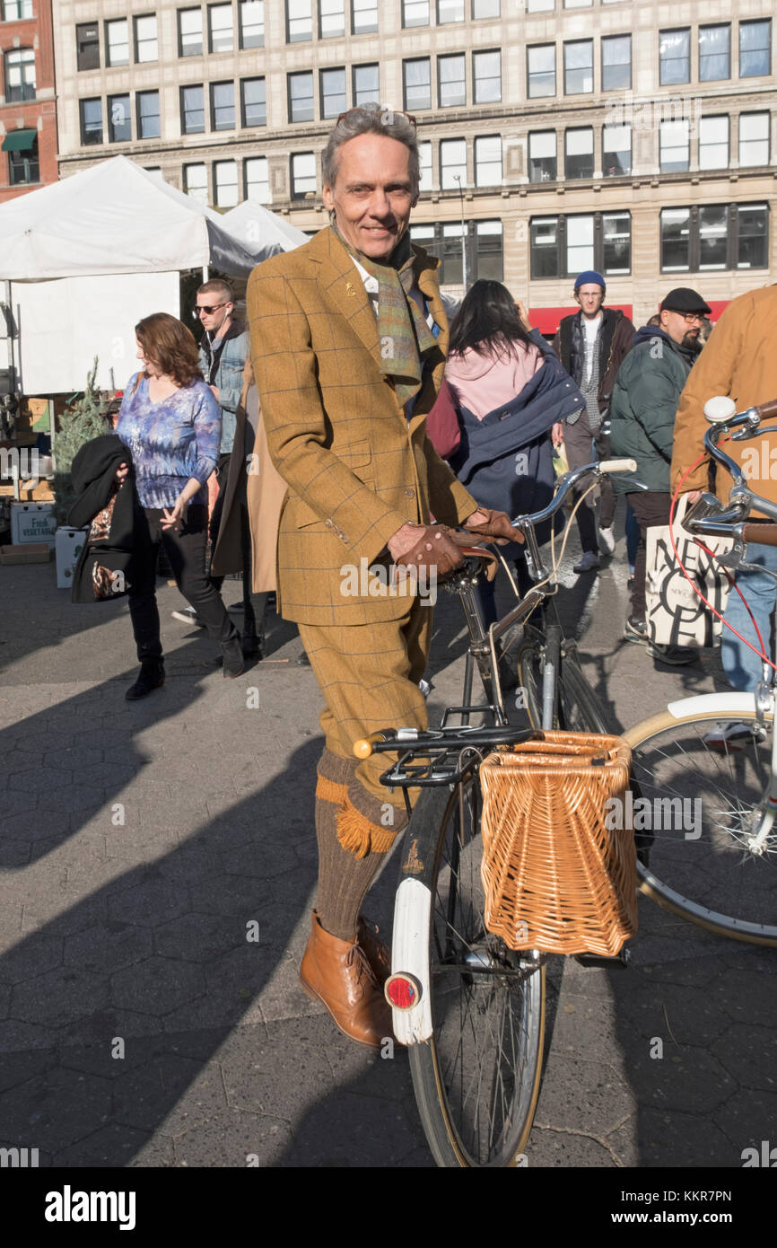A dapper gentleman dressed on knickers and a matching sport jacket. At the Union Square Green Market in Manhattan, - Stock Image