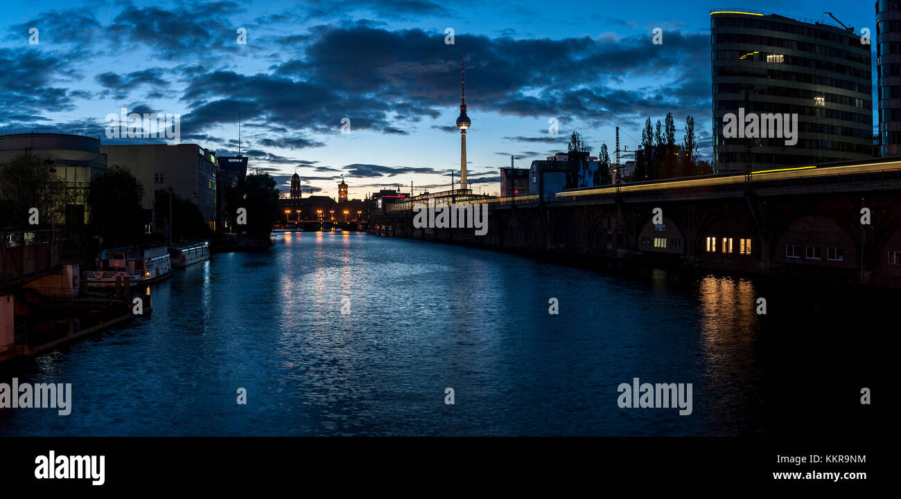 Large panorama view of the blue hour on the Spree in Berlin Mitte. Stock Photo