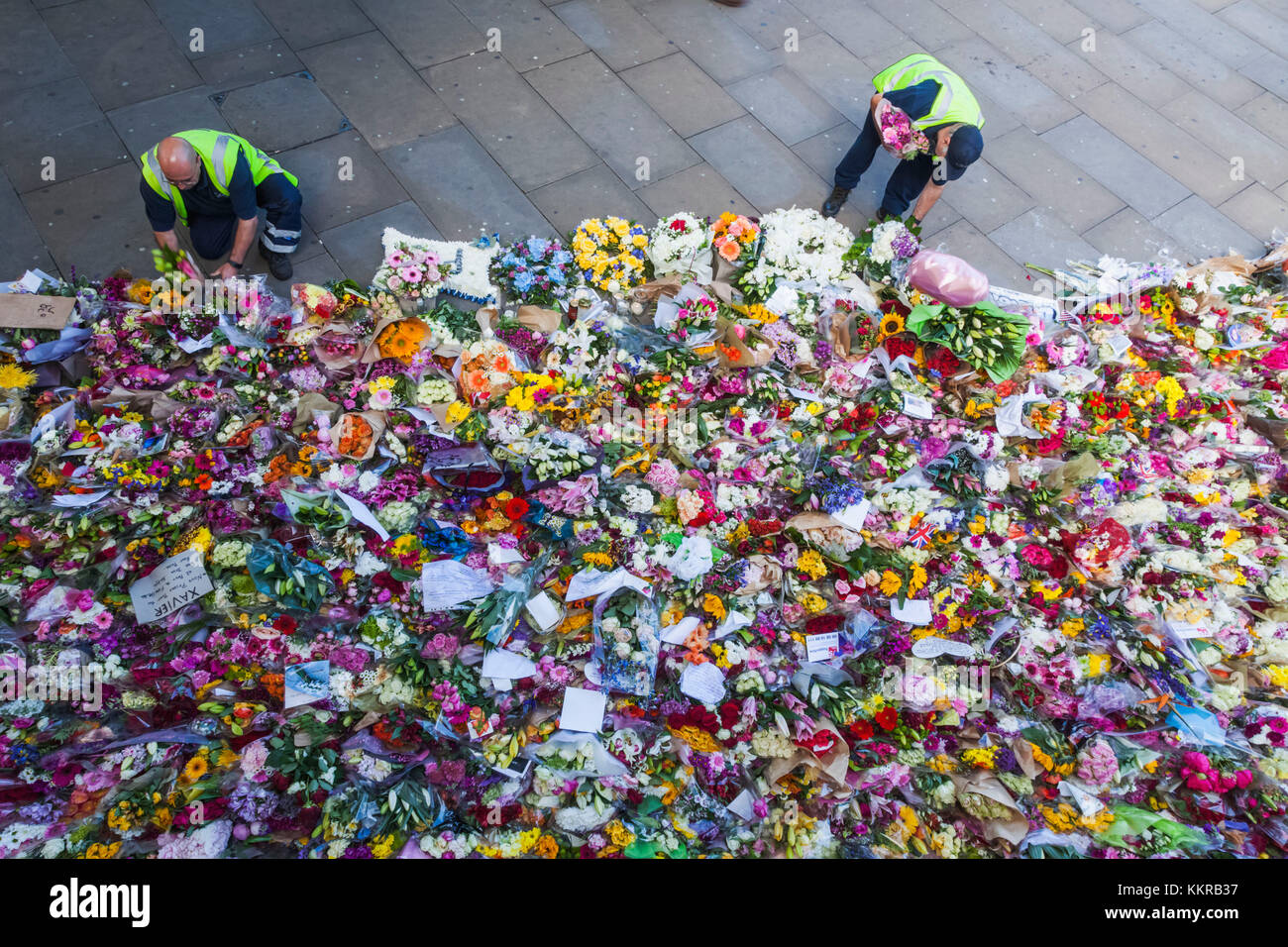 England, London, Southwark, London Bridge, Memorial Flowers for The Victims of The June 2017 Terrorist Attack - Stock Image