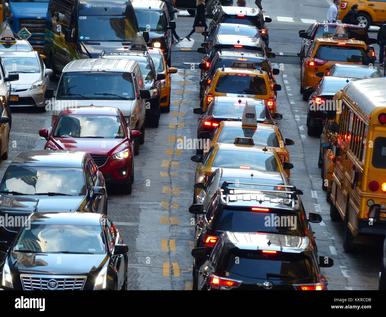 Car jam on 42nd Street at Grand Central terminal - Stock Image