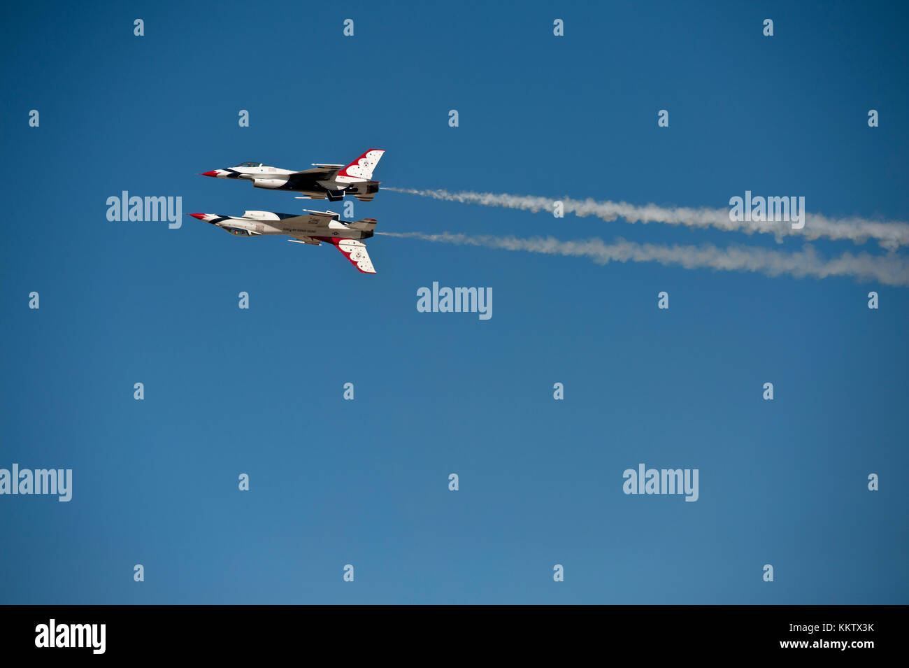 USAF F-16 Thunderbirds performing a Reflection Pass at Gowen Thunder air show on October 14 2017 - Stock Image