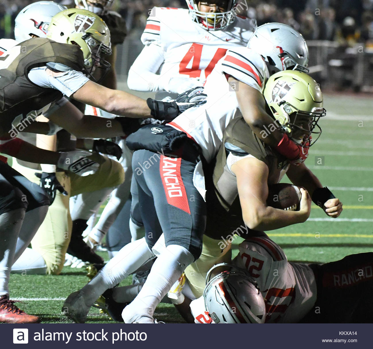 La Canada, California, USA. 1st Dec, 2017. St. Francis quarterback Darius Perrantes (7) runs for a t touchdown against - Stock Image