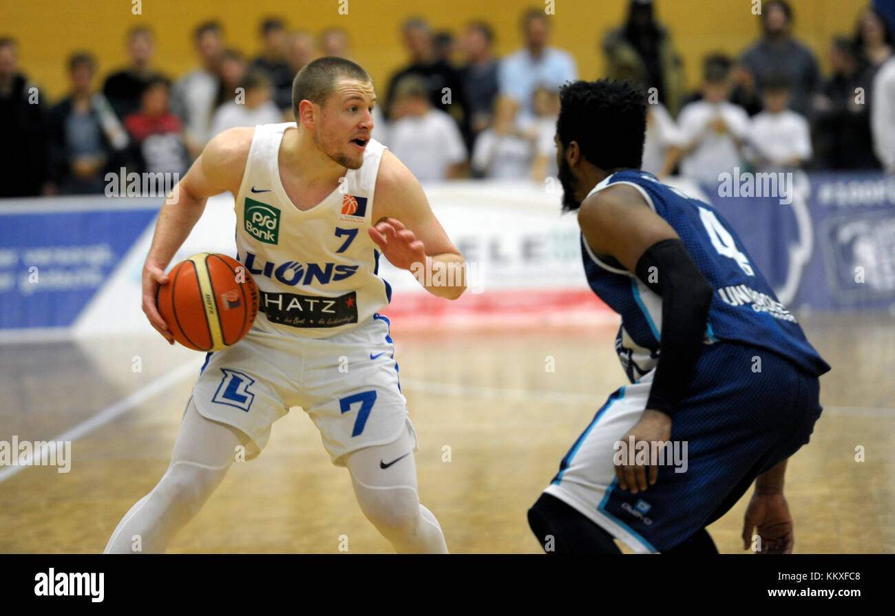 Karlsruhe, Deutschland. 02nd Dec, 2017. Craig Bradshaw (PSK) am Ball. GES/ Basketball/ ProA: PSK Lions - Baskets - Stock Image