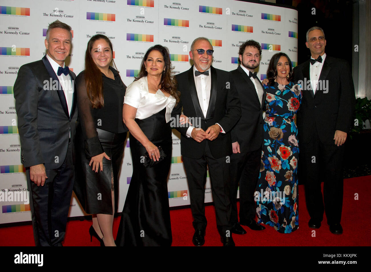 Gloria Estefan, her husband, Emilio, and their family, arrive for the formal Artist's Dinner honoring the recipients - Stock Image
