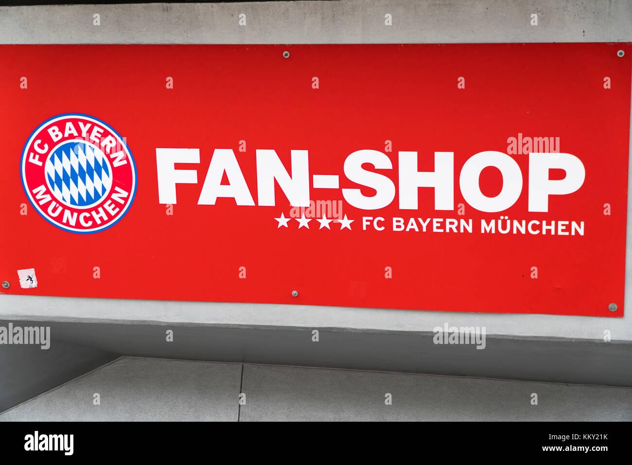 Sign Of The Fc Bayern Munich Fan Shop Stock Photo Alamy
