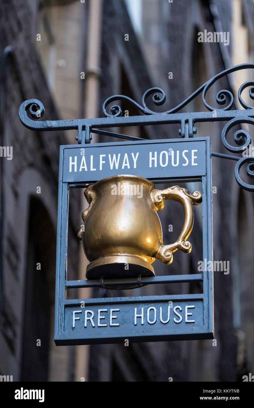 Pub sign on  historic Fleshmarket Close in Old Town of Edinburgh, Scotland, United Kingdom - Stock Image
