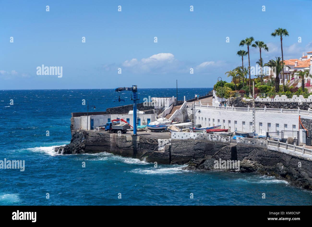 Piscina los chocos, tiny fishing harbour at village Puerto de Santiago, west coast of Tenerife island, Canary islands, - Stock Image