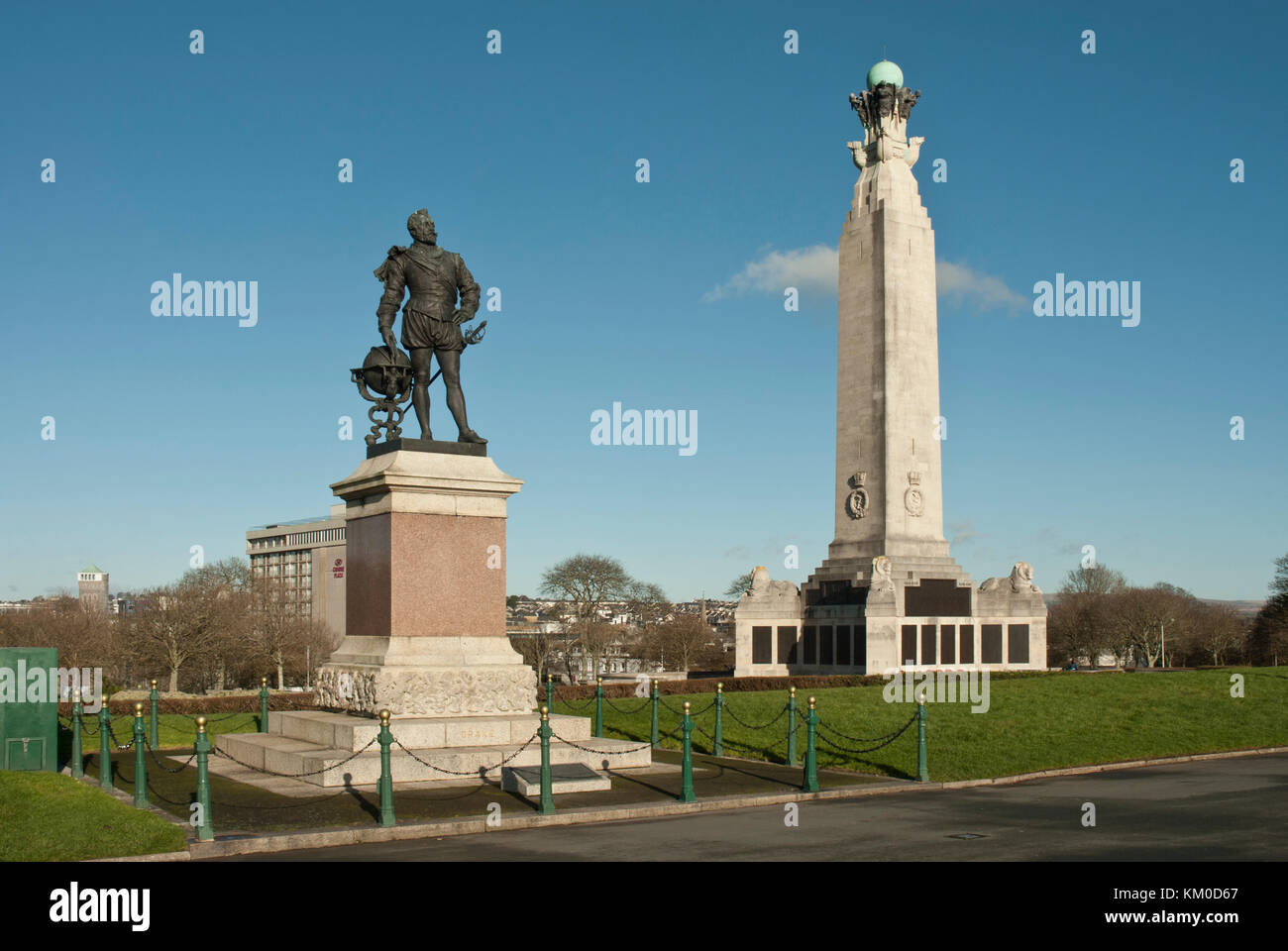 Against blue skies the monuments to Sir Francis Drake, Elizabethan hero, and an obelisk to the Naval casualties - Stock Image