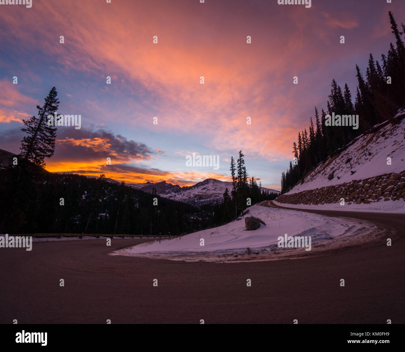 A snowy sunrise in early winter, Georgetown, Colorado. - Stock Image
