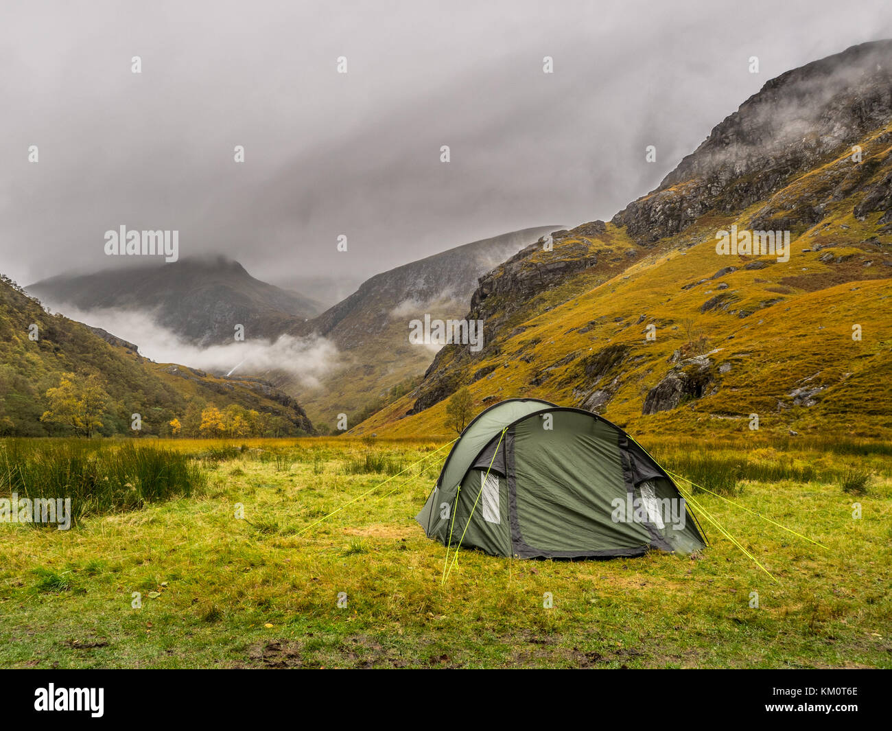 tent in the scottish highlands - Stock Image