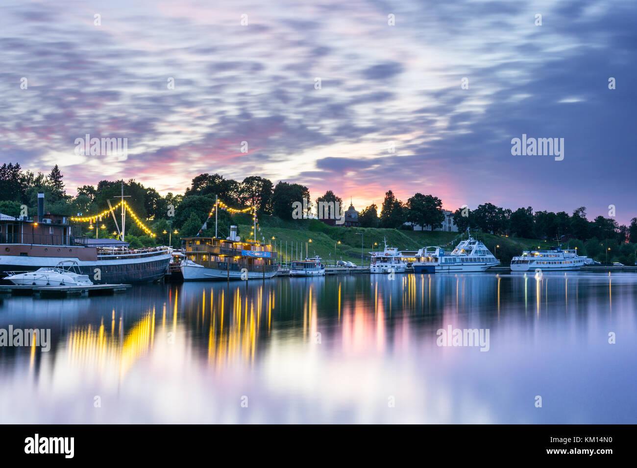 Lappeenrannan satama kesällä. Värikkäät pilvet - Stock Image