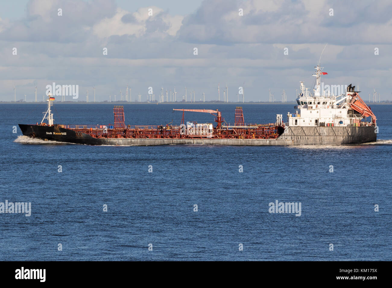 Worlds Largest Tanker Stock Photos & Worlds Largest Tanker Stock
