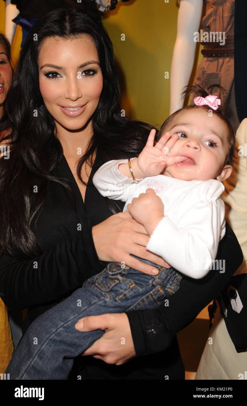 SMG_Kim Kardashian_Agaci_112009_03.jpg  SUNRISE- NOVEMBER 20: Media and reality show personality Kim Kardashian - Stock Image