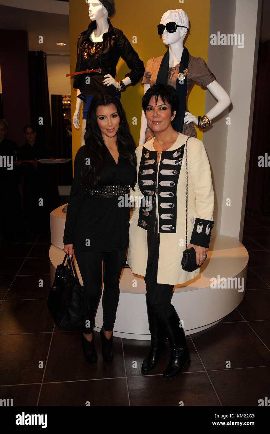 SMG_Kim Kardashian_Agaci_112009_05.jpg  SUNRISE- NOVEMBER 20: Media and reality show personality Kim Kardashian - Stock Image