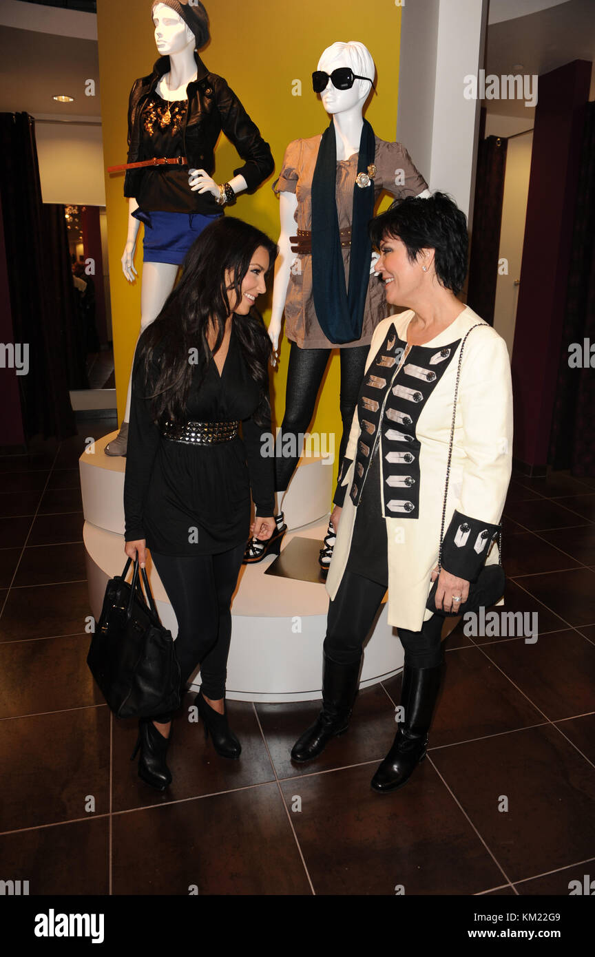 SMG_Kim Kardashian_Agaci_112009_08.jpg  SUNRISE- NOVEMBER 20: Media and reality show personality Kim Kardashian - Stock Image