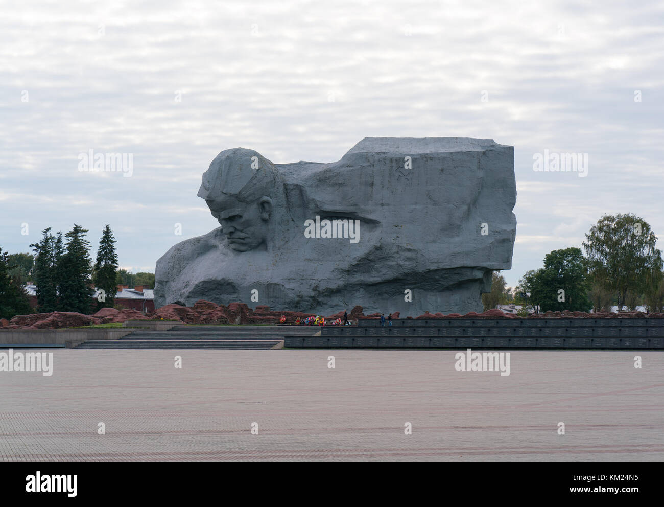Brest, Belarus - September 25, 2016: necropolis and Courage Monument in Brest Fortress - Stock Image