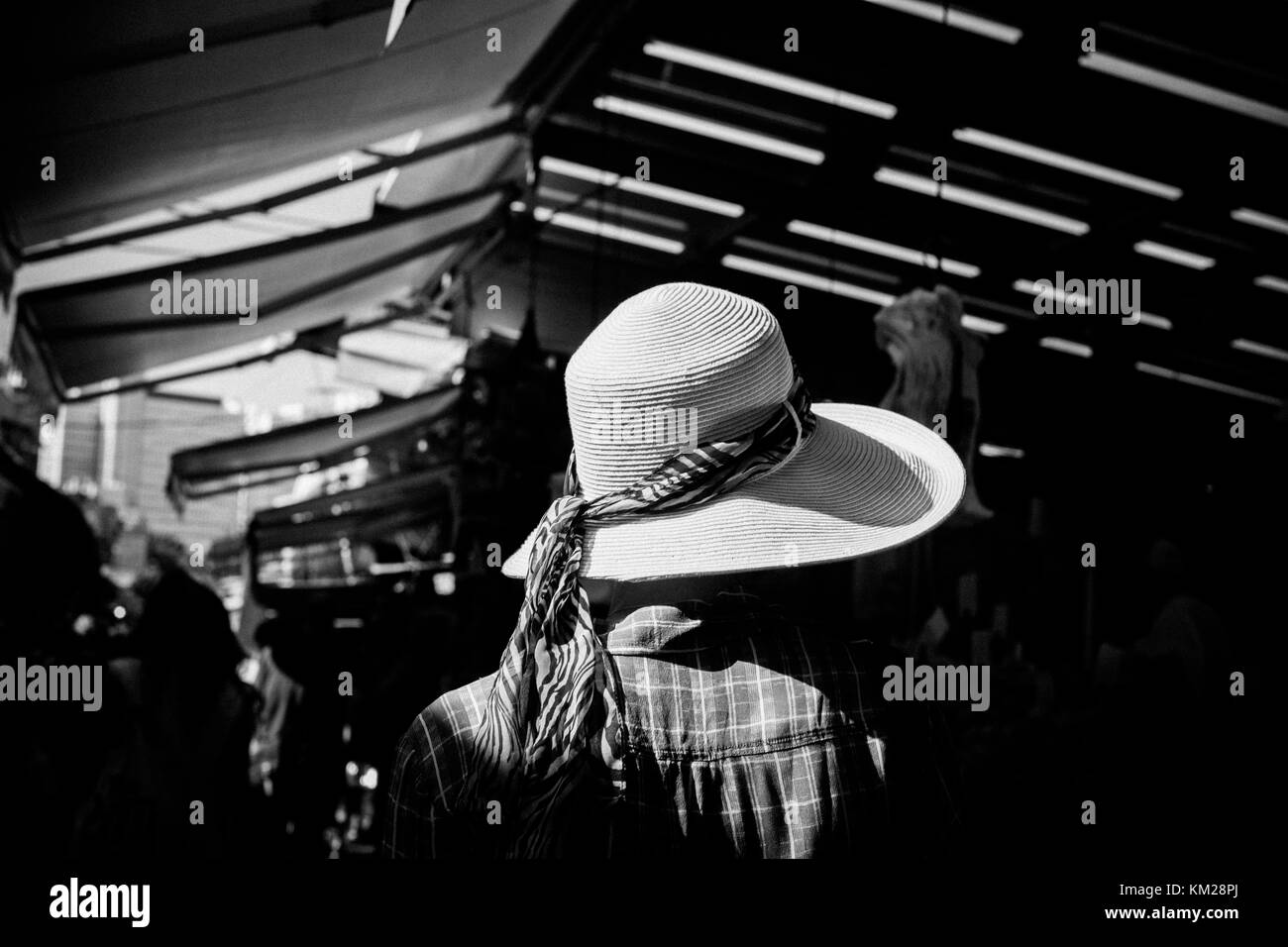 Shopping at the Carmel Market, Tel Aviv, Israel - Stock Image