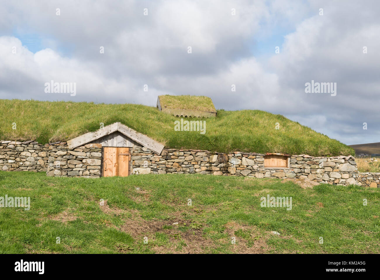 Reconstructed Viking Longhouse at Brookpoint, Unst, Shetland, UK - Stock Image