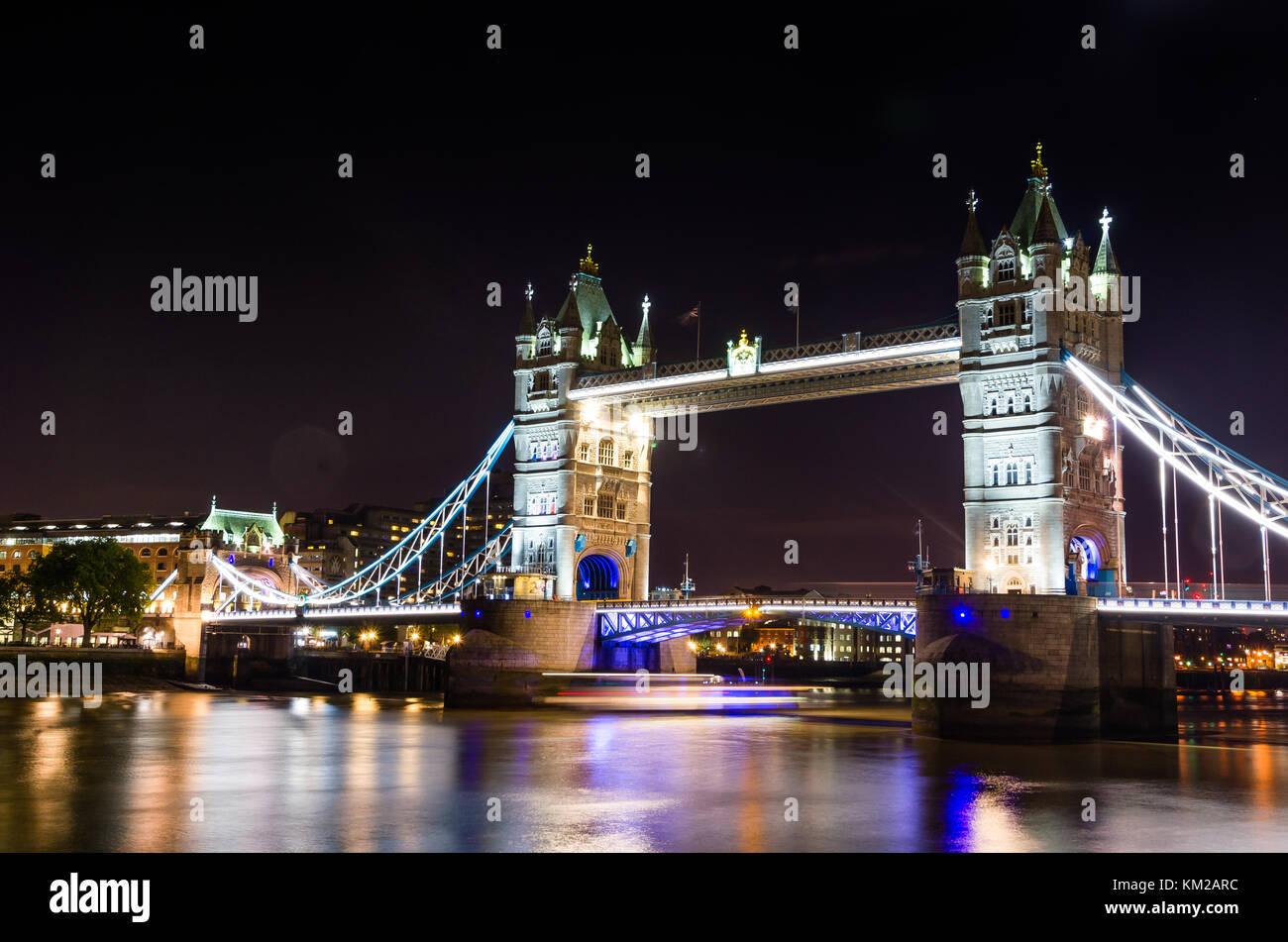 Night view of london tower bridge - Stock Image