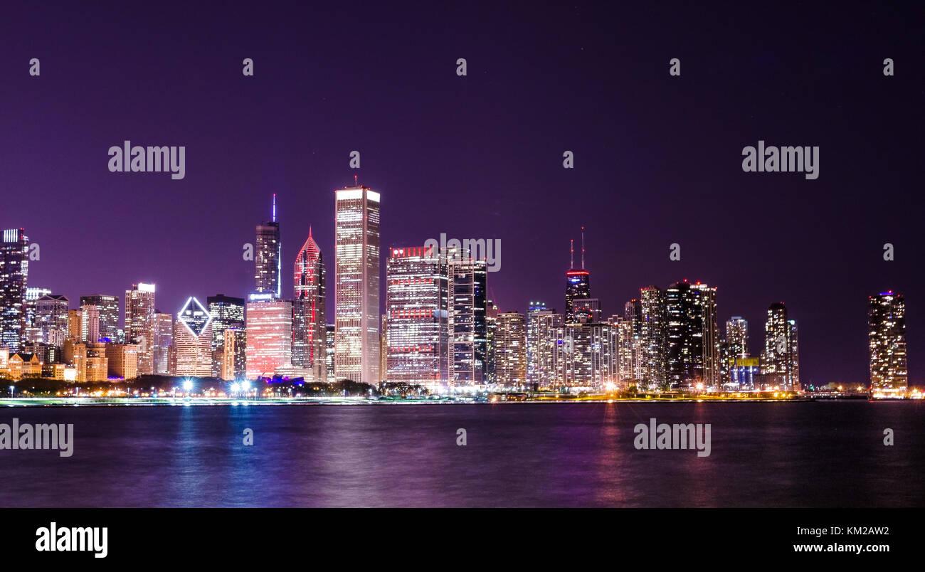chicago skyline at night - Stock Image