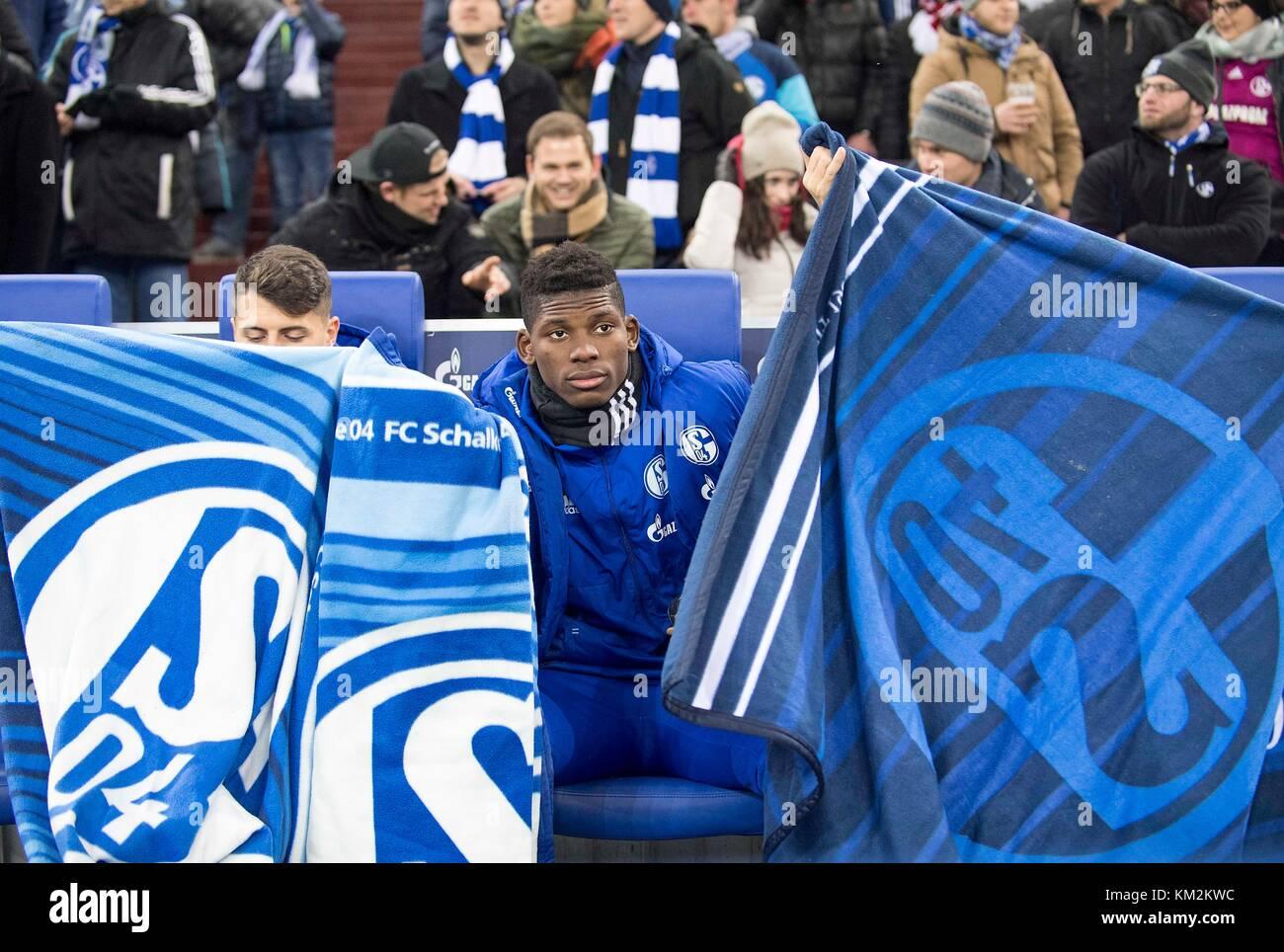 Gelsenkirchen, Deutschland. 02nd Dec, 2017. Breel EMBOLO (GE) sitzt auf der Ersatzbank, Fussball 1. Bundesliga, - Stock Image