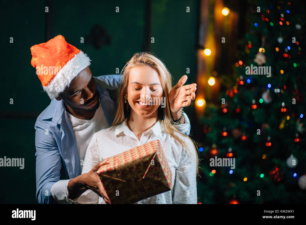 what should i buy my girlfriend for christmas