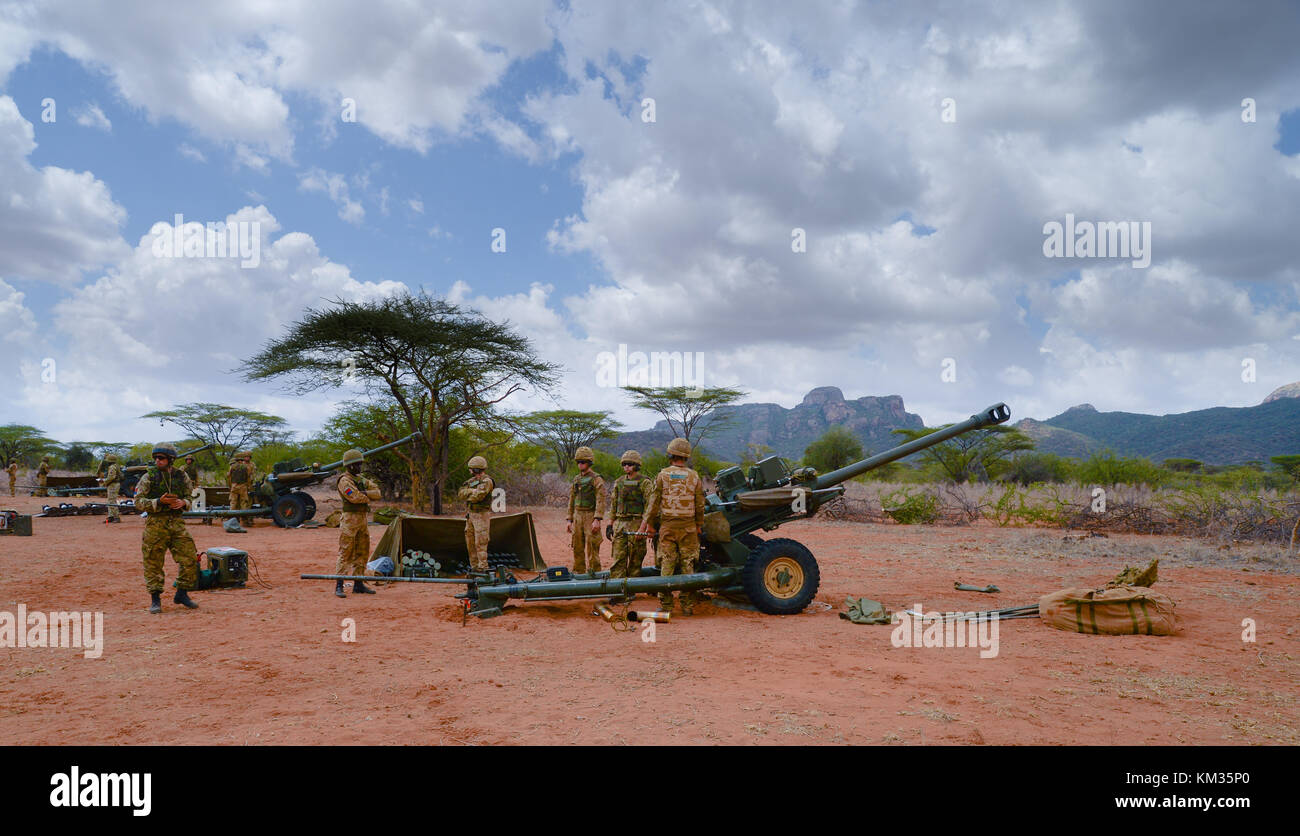 Royal Horse Artillery at Archers Post with their 105 mm guns training in Kenya - Stock Image