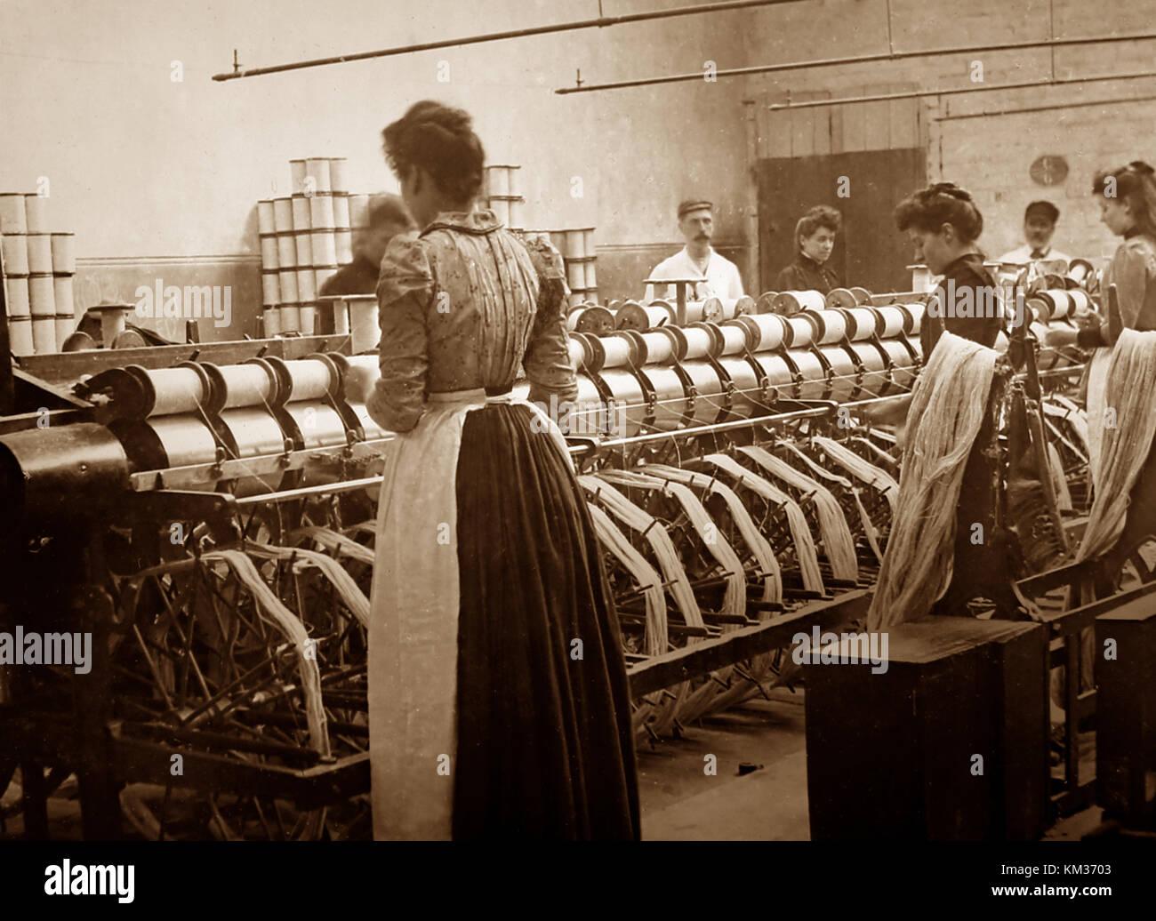 Warp winding machine, linen production, Victorian period - Stock Image