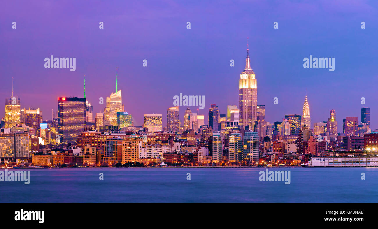 New York City Skyline Empire State Building - Stock Image