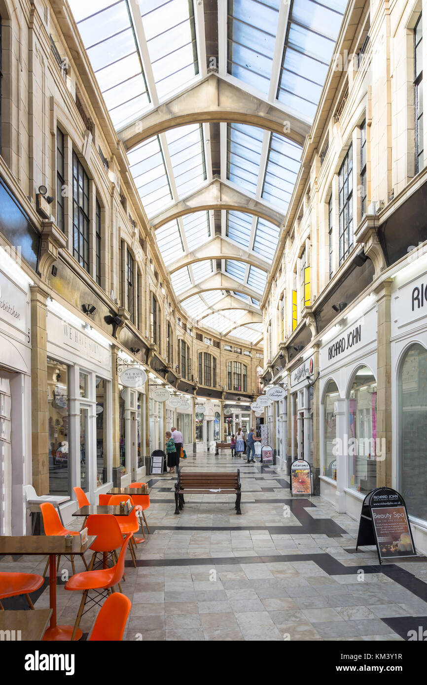 The Royal Arcade shopping centre, Marine Parade, Worthing, West Sussex, England, United Kingdom - Stock Image