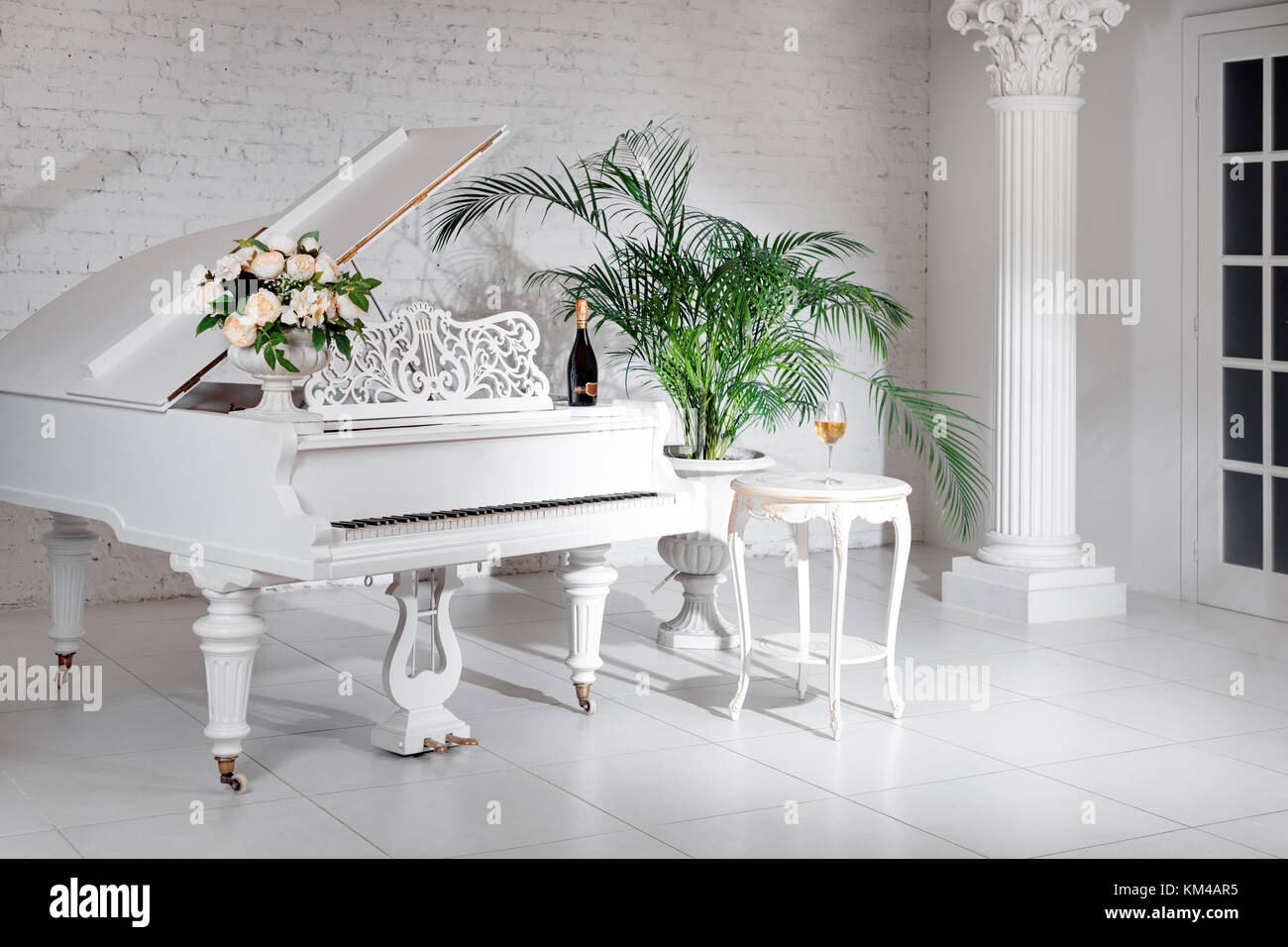 Grand Piano In Music Room Stock Photos & Grand Piano In Music Room ...