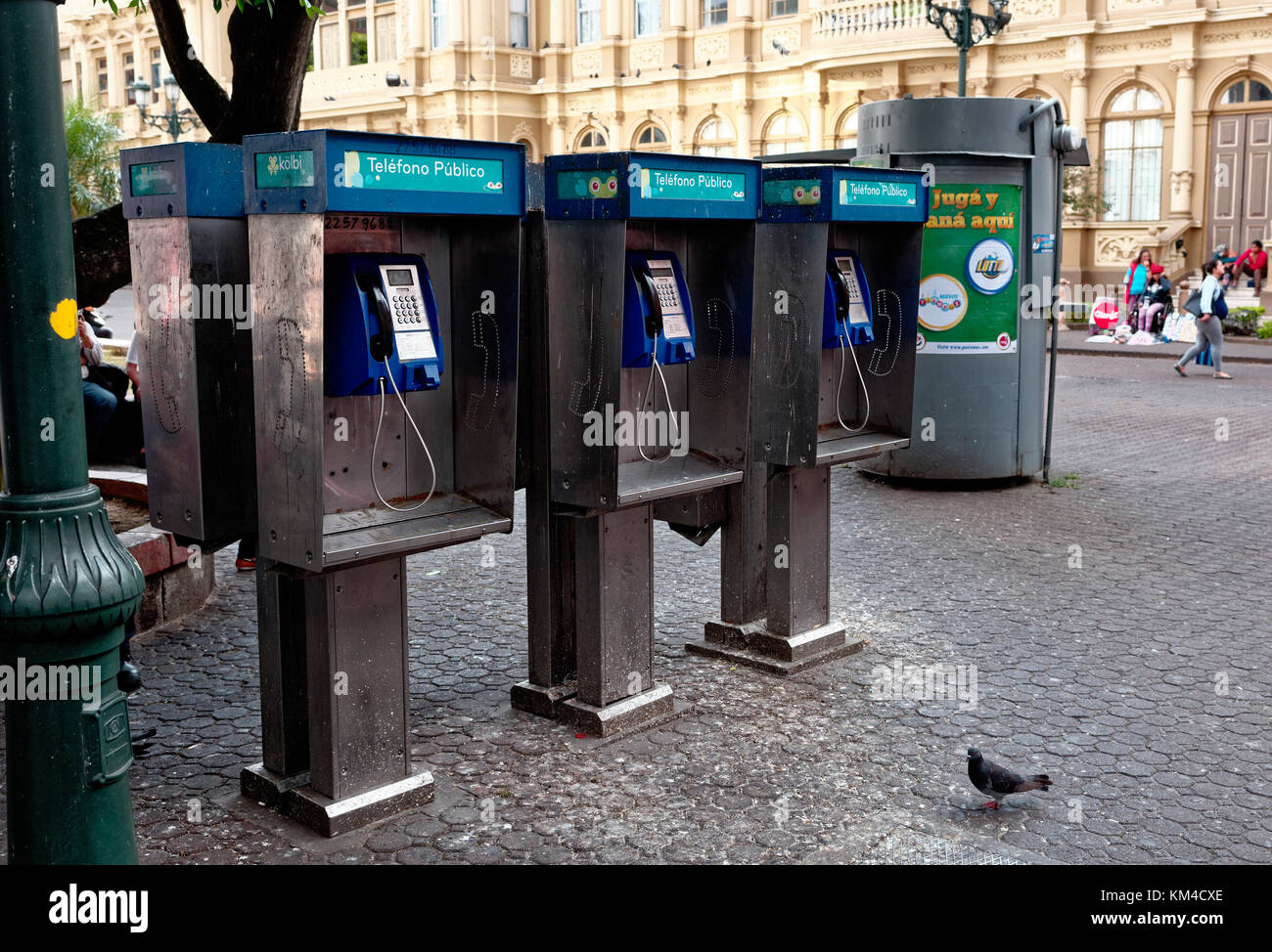 Row of public telephones outside The Grand Post Office and Telegraph building in San Jose, Costa Rica - Stock Image