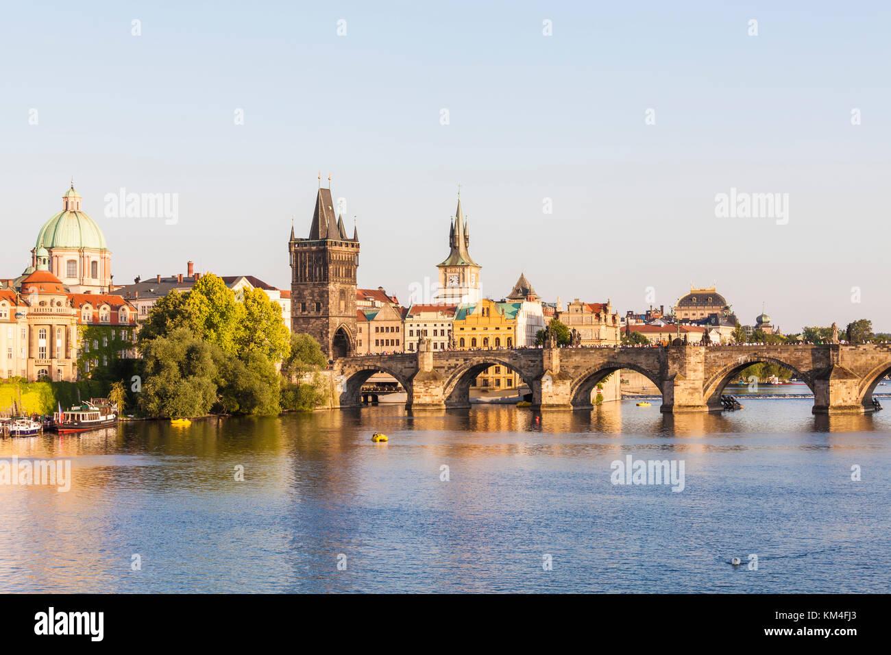 Tschechien, Prag, Altstadt, Moldau, Karlsbrücke, Altstädter Brückenturm - Stock Image