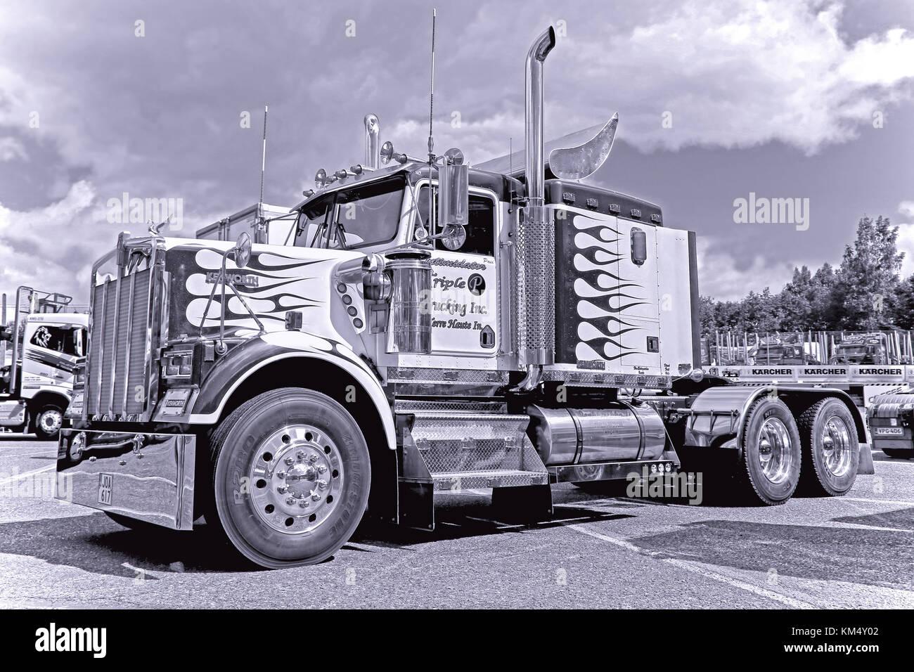 HAMEENLINNA, FINLAND - JULY 11, 2015: Classic Kenworth W900B  truck tractor on display at Tawastia Truck Weekend - Stock Image