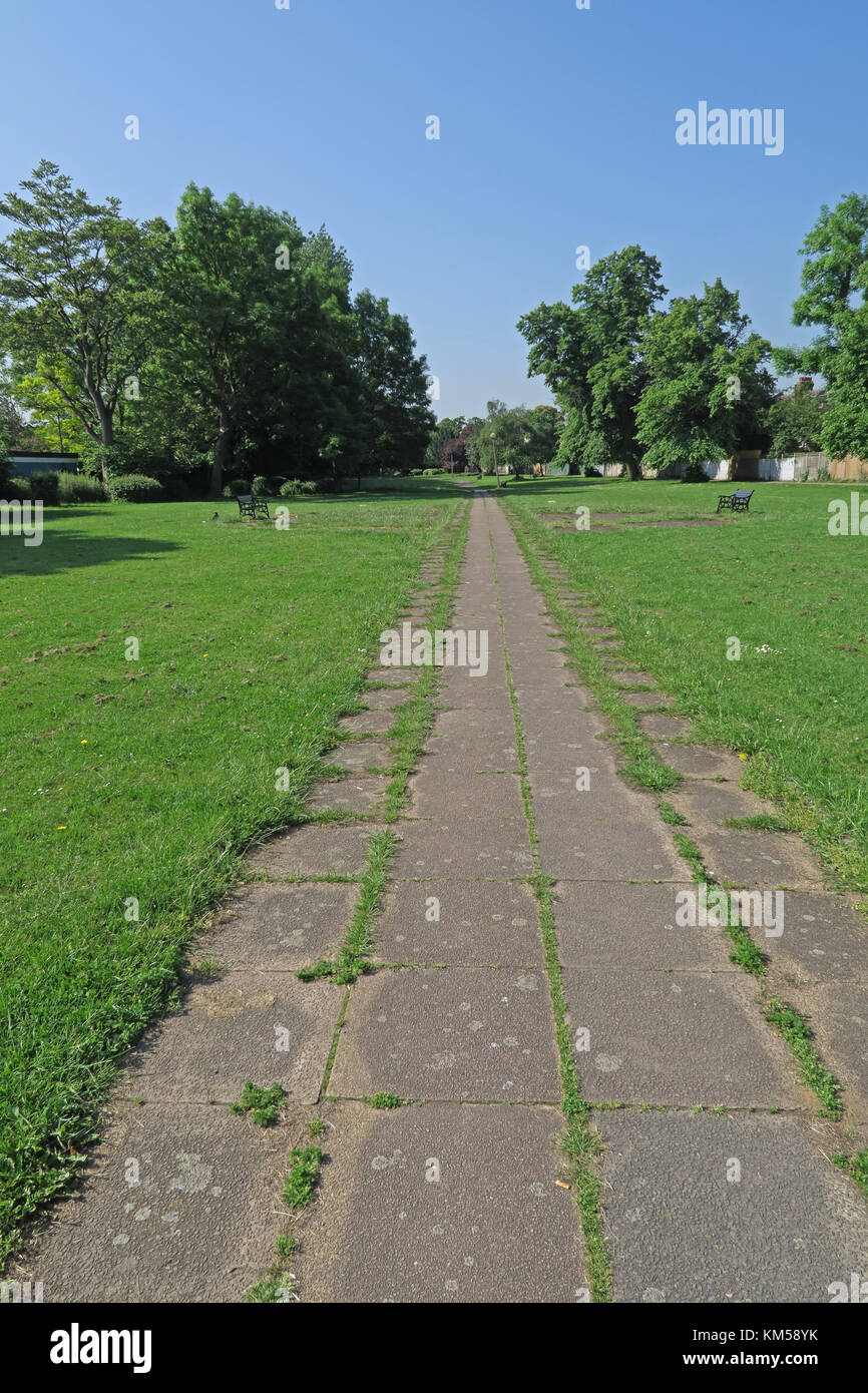 grass and parth that are built on top of the New River  Wood Green, Haringey, London      May - Stock Image