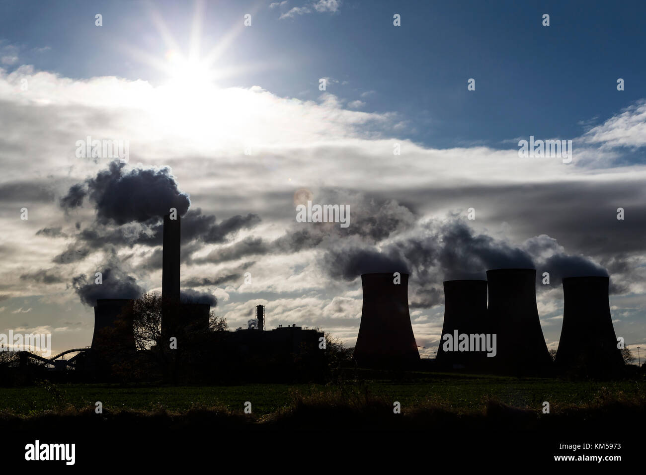 Fiddlers Ferry Power Station, a coal fired power station between Warrington and Widnes, Cheshire, England UK - Stock Image
