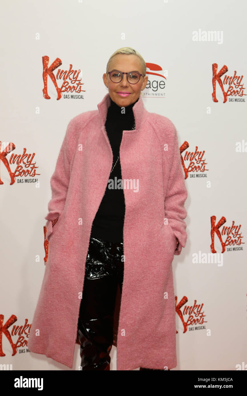 Hamburg, Germany. 03rd Dec, 2017. Natascha Ochsenknecht attending the 'Kinky Boots' Premiere held at Stage - Stock Image