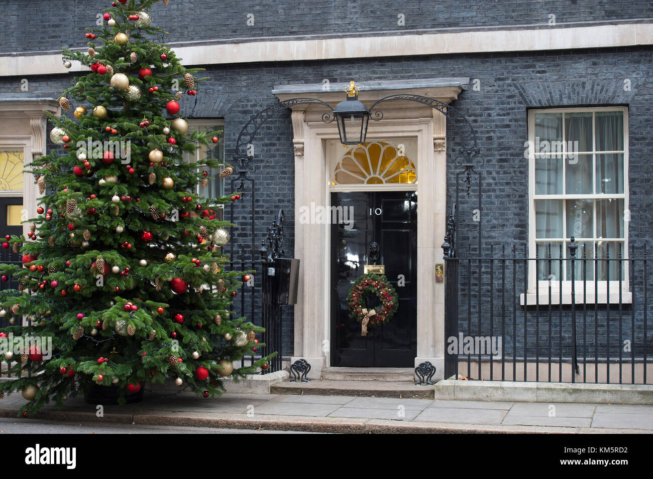 Downing Street, London, UK. 5 December 2017. Government ministers in Downing Street for weekly cabinet meeting on Stock Photo