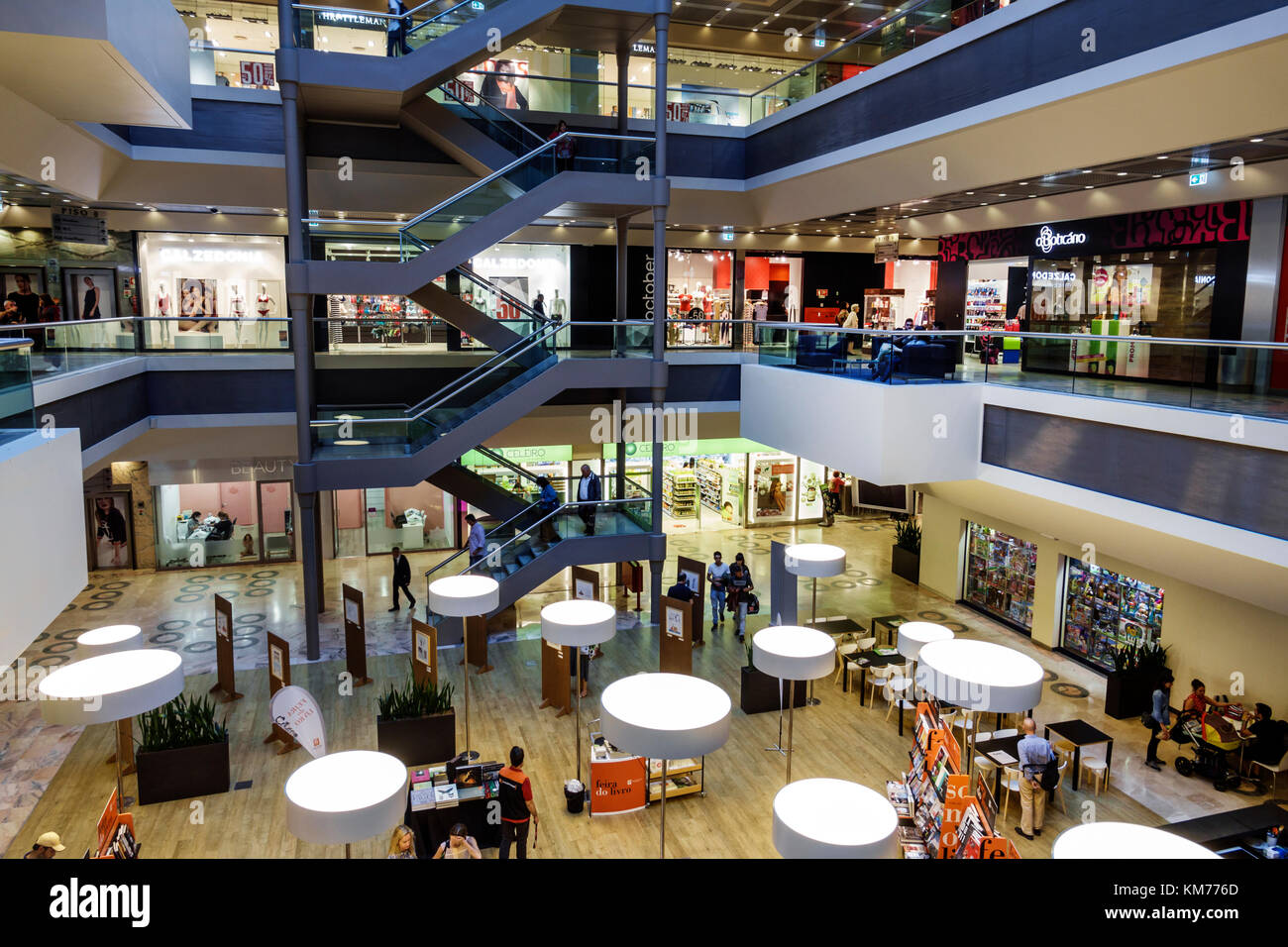 7f304245043 Porto Portugal Boavista Shopping Cidade do Porto shopping center centre  mall atrium stores shopping multi-levels stairs